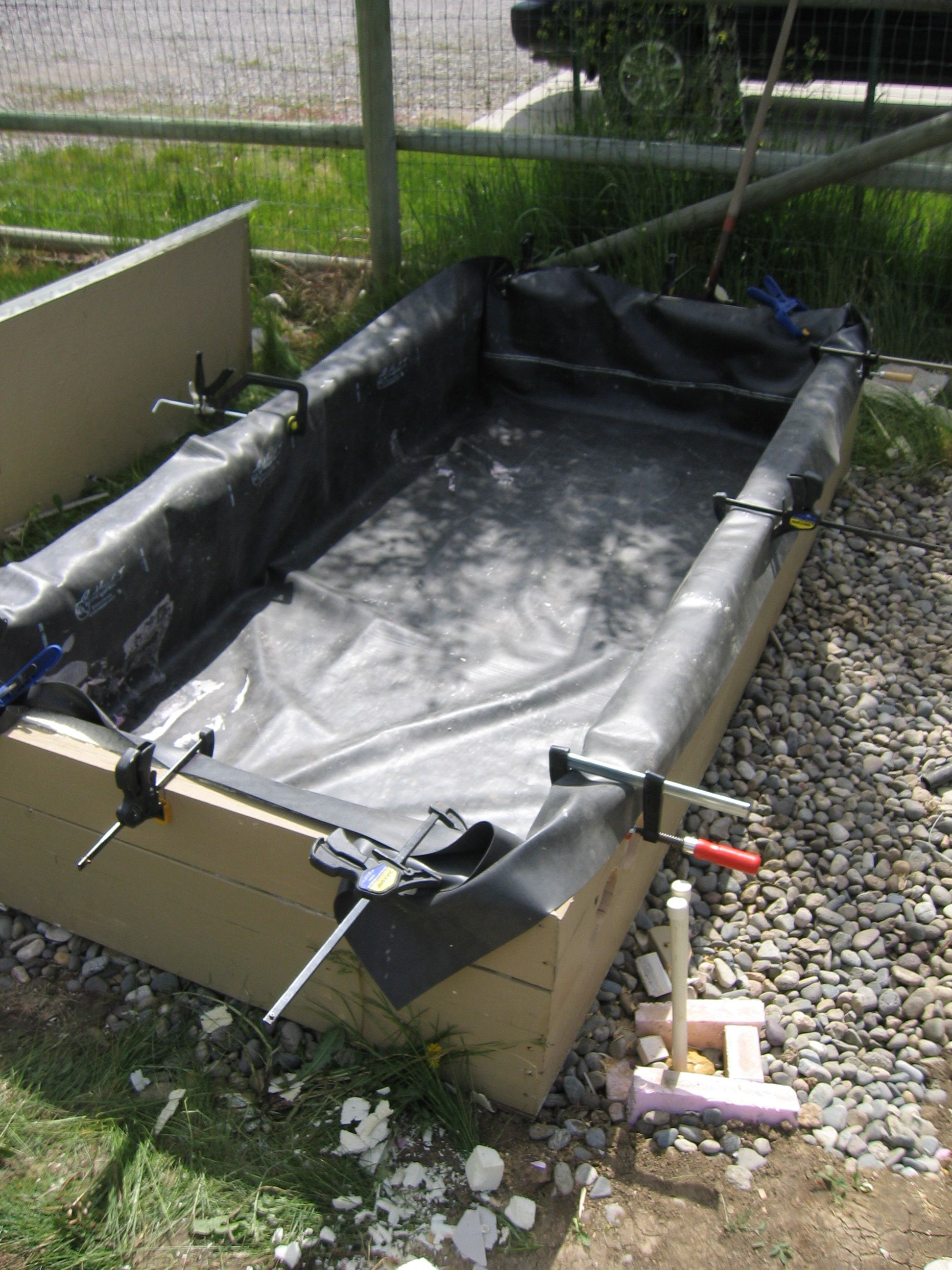 Solar pond water heater construction for Building a pond with liner