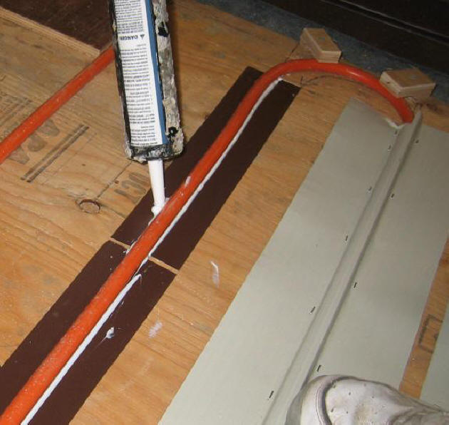 Comparing solar collector performance small panel tests for Pex vs copper water pipes