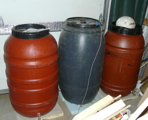 Night Air Thermal Mass Cooling Using Water Barrels