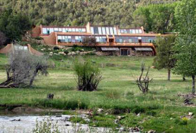 how to build an earthship house in canada