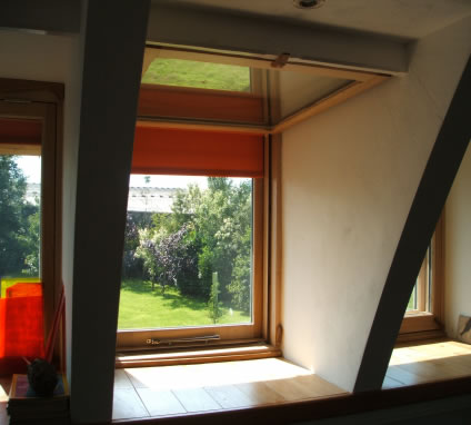 A Simple Quadrulple Glazed Window Design