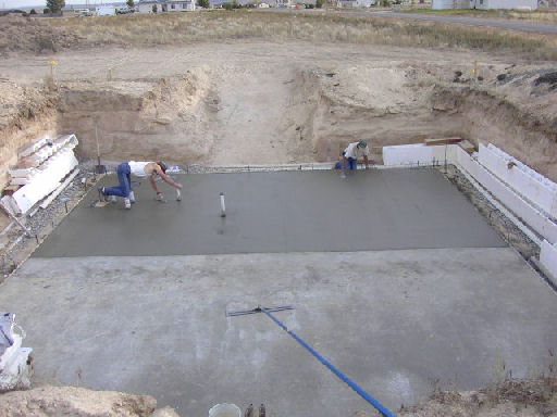 Sipandicfhouse Foundation pouring