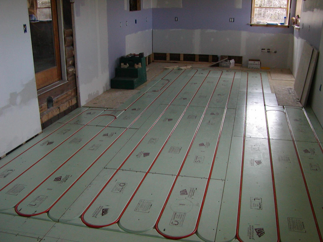 Solar hot water and space heating system with integrated for Best hydronic radiant floor heating systems