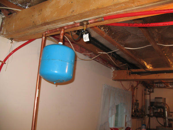 Large Horizontally Oriented Space Heating Collector With A